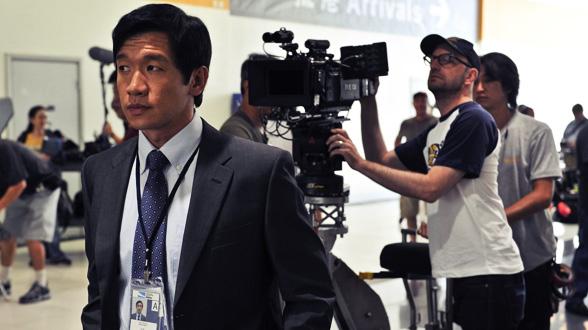 Чин Хан и Содерберг немного не в фокусе на съёмочной площадке «Заражения»